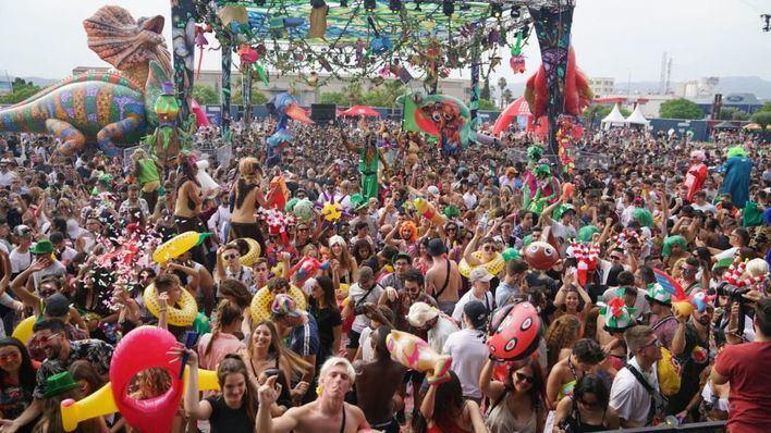 Miles de personas disfrutan en Palma del primer concierto del Origen Fest