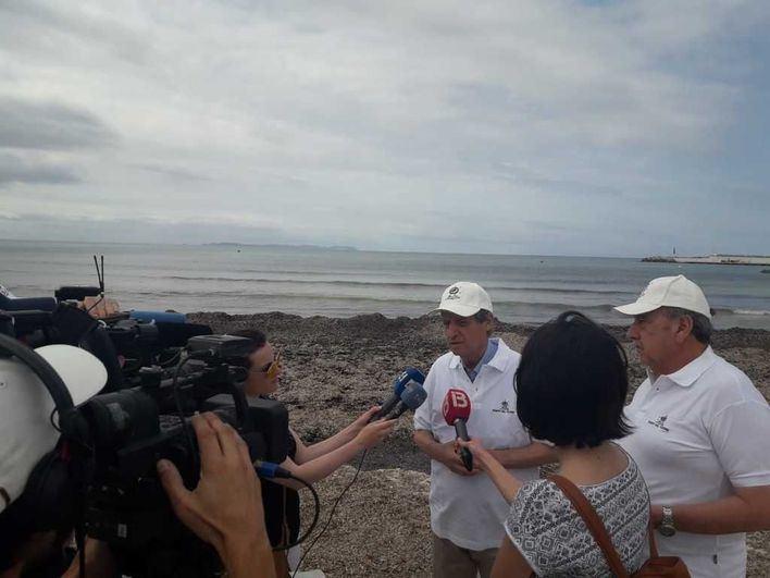 Fomento de Turismo insta a actuar contra la acumulación de desperdicios en las playas