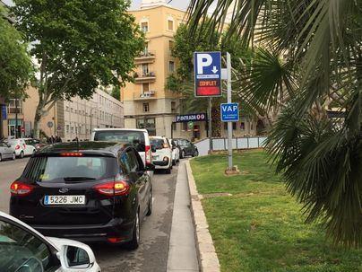 Denuncian infracciones de aparcamiento en Palma ante el Defensor del Pueblo