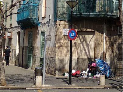 Pere Garau reclama soluciones para Ana, la vecina que vive en la calle