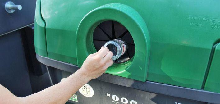 Palma impulsa el reciclaje del vidrio en hoteles, que generan el 52 por ciento de estos residuos