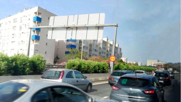 Caos para entrar en Palma por el estrechamiento de la autopista del aeropuerto en plena temporada