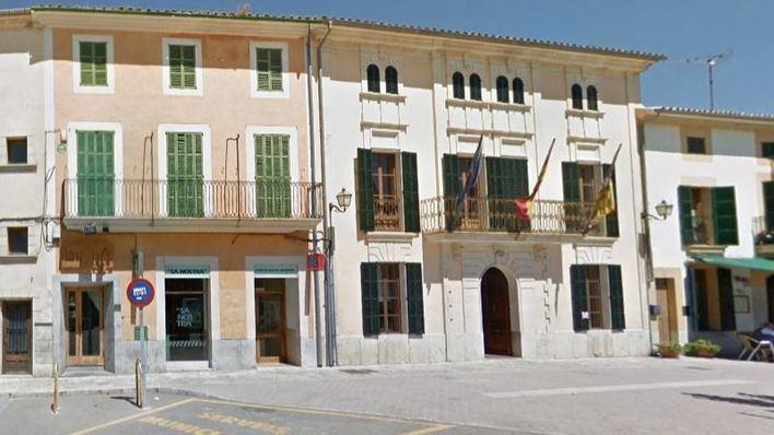 Campanet dona 3.000 euros al Instituto de Investigación Biomédica de Barcelona