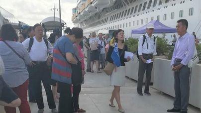 Los guías denuncian intrusismo de organizaciones chinas en las excursiones de cruceristas