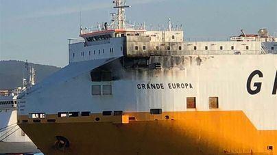 Varios detenidos por el incendio del carguero 'Grande Europa'