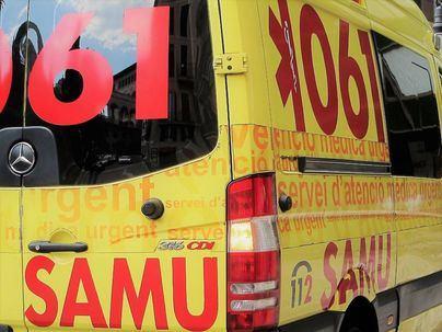 Cinco jóvenes heridos en una colisión frontal en Portal Nous