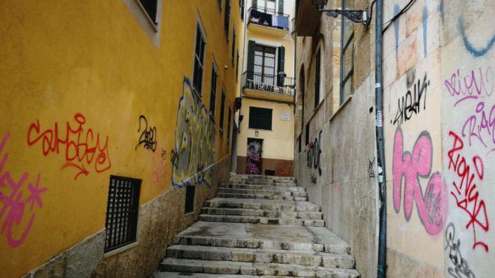 Arca exige el compromiso de todos los partidos de Cort para limpiar las pintadas vandálicas