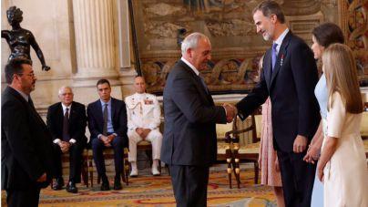 El Rey condecora a Miguel Galmés y Miquel Montoro por rescatar a cuatro turistas en las riadas de Sant Llorenç