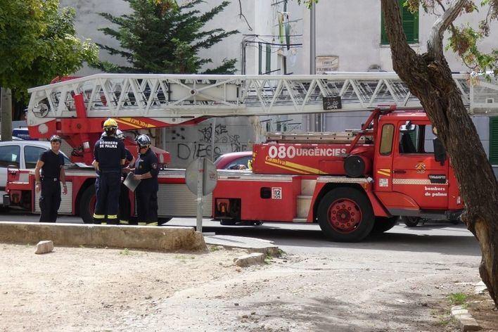 Desalojan un hotel en el casco antiguo de Palma por un incendio en el spa