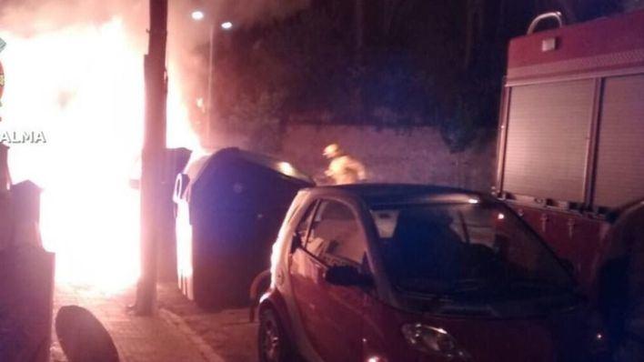 Cae la responsable de la quema de contenedores en Eusebi Estada y Jacint Verdaguer