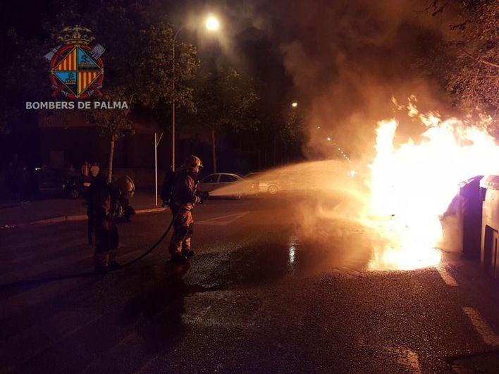 Prisión sin fianza para la detenida por tres incendios de contenedores
