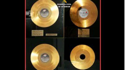 Recuperan cuatro discos de oro de una estrella del pop austríaco robados en Artà