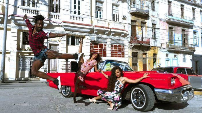 Son Fusteret se llena de música y espectáculo con sabor a Cuba en 'Hotel Habana Show'