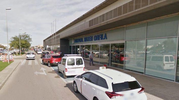 Un hombre de 33 años intoxicado por humo en un incendio en Menorca