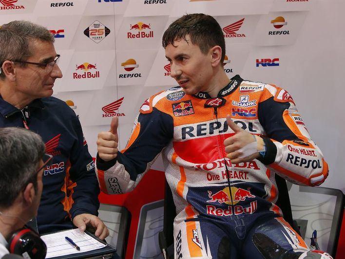 Jorge Lorenzo se pierde el Gran Premio de Holanda por su caída en los primeros libres