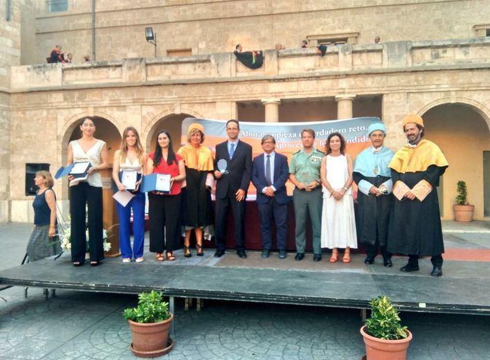 La Escuela de Turismo 'Felipe Moreno' hace entrega del Escudo de Oro 2019 a la Guardia Civil de Baleares
