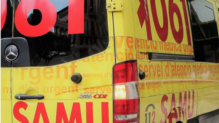 Tres heridos en una colisión entre dos turismos en la carretera de Inca