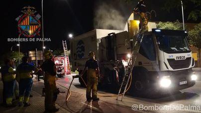 Sofocado un fuego en un camión de Emaya