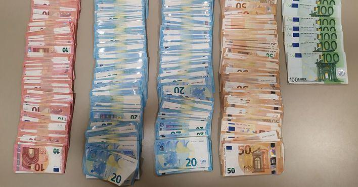Detenido un extrabajador de un restaurante del Coll d'en Rabassa por robar 150.000 euros del local