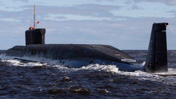 Mueren 14 personas por un incendio en un submarino en Rusia
