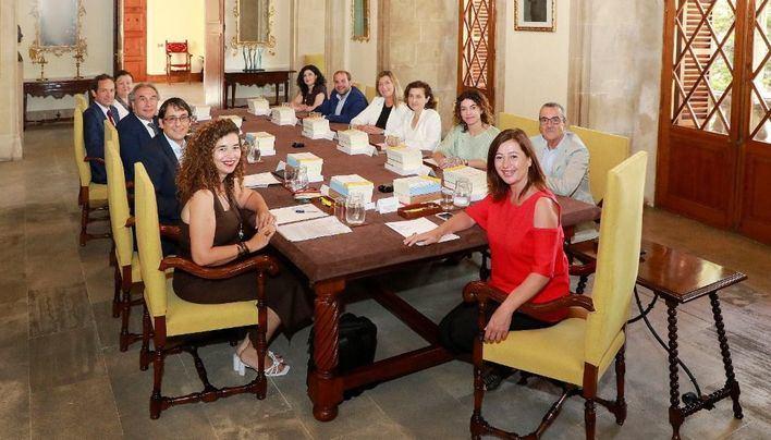El Govern nombra 22 directores generales y un secretario autonómico