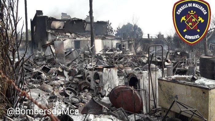 Unos fuegos artificiales, posible causa del voraz incendio de Búger