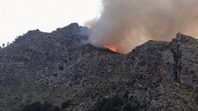 Extinguido el incendio de Formentor mientras aún se lucha en Escorca