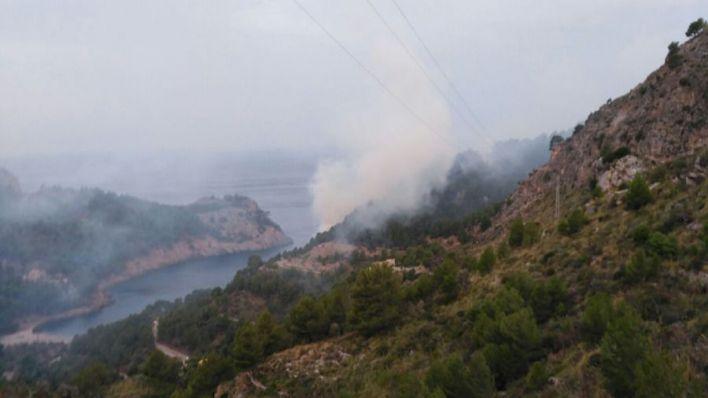 Estabilizado el fuego de Cala Tuent que ha quemado 50 hectáreas
