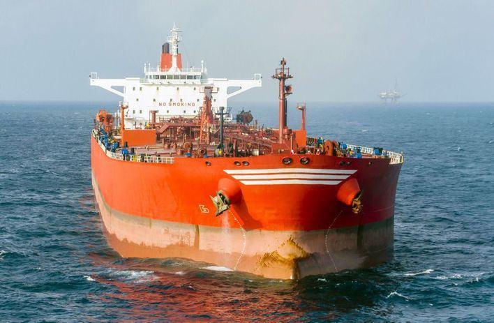 Irán da un ultimátum a Reino Unido para que devuelva el petrolero