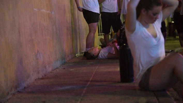 Un joven drogado intenta agredir a los técnicos del 061 cuando le atendían en Magaluf
