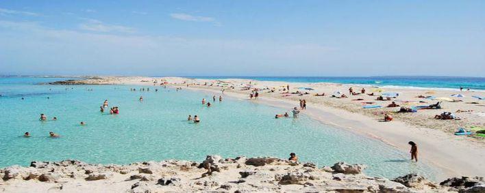 Muere un bañista arrollado por una embarcación en Formentera