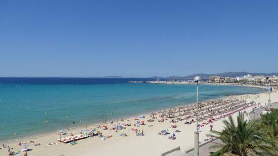 Cala Estància, Cala Anguila de Manacor y Sant Joan de Alcúdia se declaran playas antitabaco
