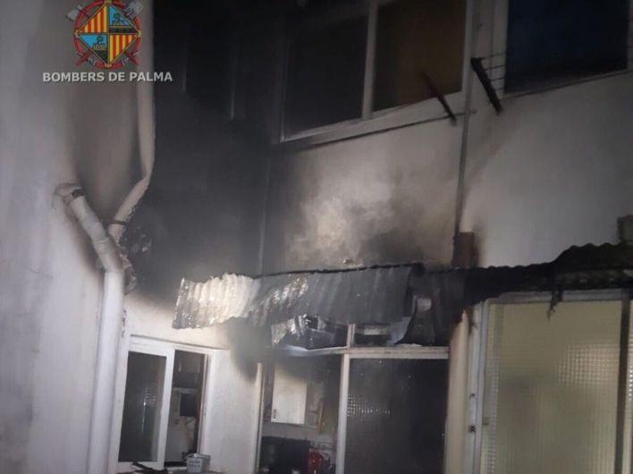 Desalojado un edificio de Palma debido a un incendio por una sartén olvidada al fuego