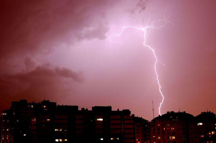 Mueren 32 personas por una tormenta de rayos en India