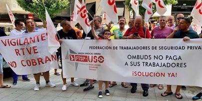Vigilantes de seguridad se concentran en Palma exigiendo el cobro de nóminas pendientes