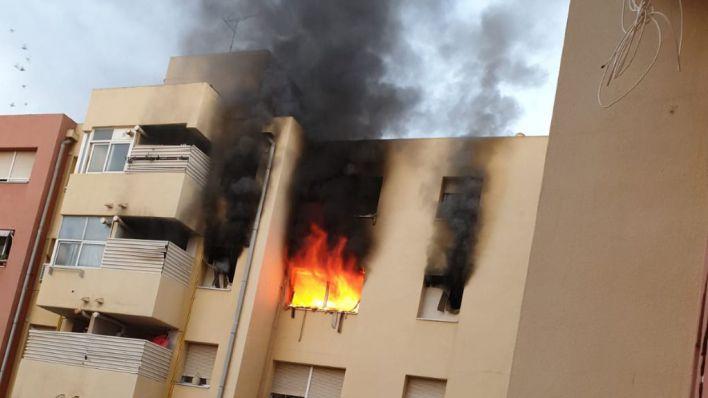 Continúa grave la mujer quemada en un incendio en su casa en Nou Llevant