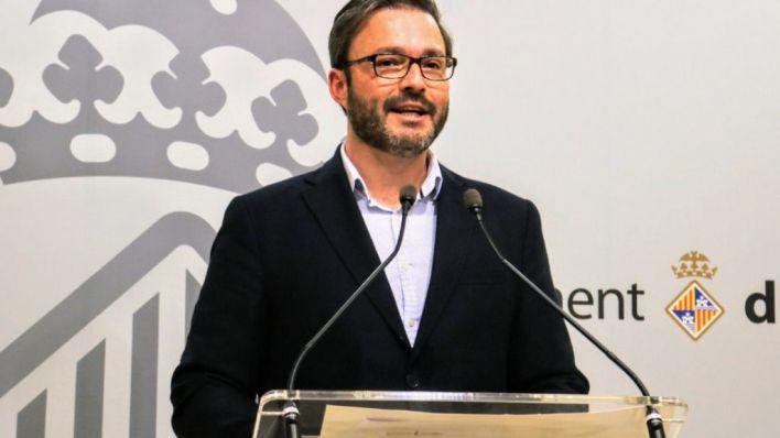 Hila revocará los poderes del gerente de la Funeraria nombrado por Podemos
