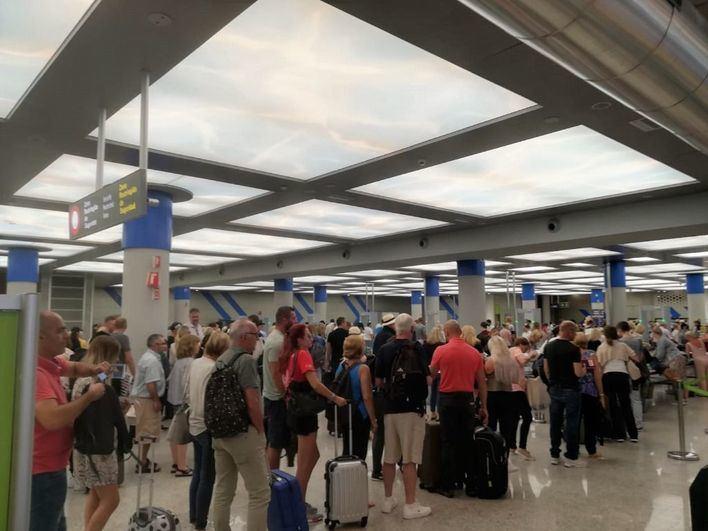 Más de 720.000 pasajeros pasarán por los aeropuertos de Baleares este fin de semana