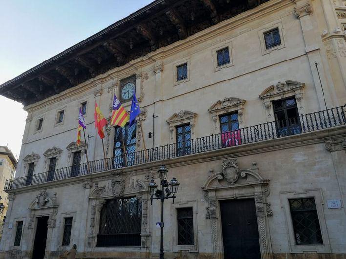 Cort rechaza la propuesta de Vox de incluir el castellano en los premios Ciutat de Palma