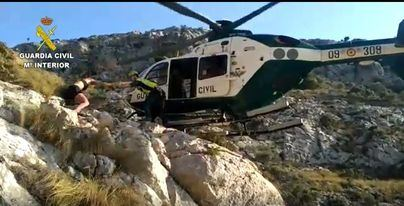 El helicóptero de la Guardia Civil realiza dos rescates en Mallorca en menos de una hora