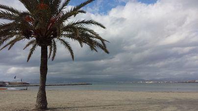 Posibilidad de chubascos ocasionales acompañados de tormentas en Baleares