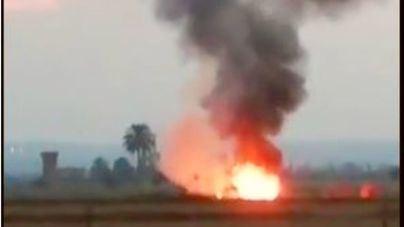 Los bomberos sofocan en Palma un incendio en un camión que transportaba paja