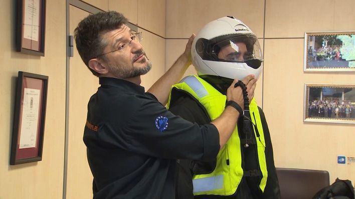 Tráfico subirá el importe de las multas a los motoristas que no lleven casco o guantes