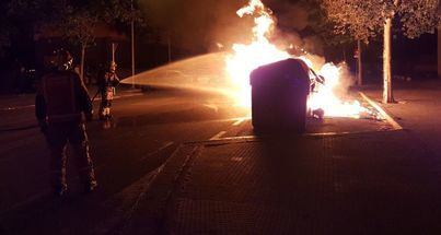 Queman dos baterías de contenedores en El Molinar