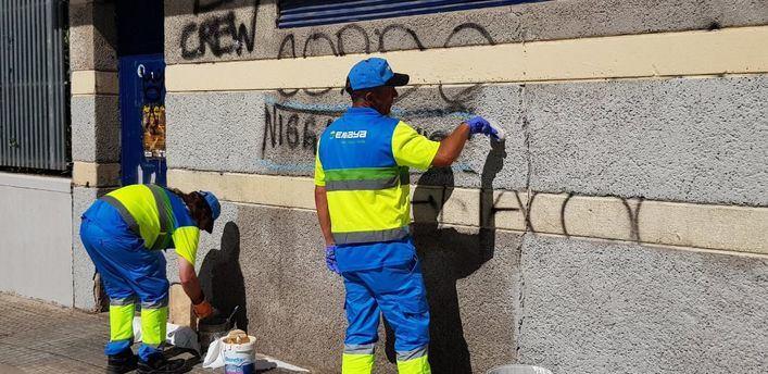 Cort borrará también las pintadas vandálicas de comercios y fincas privadas