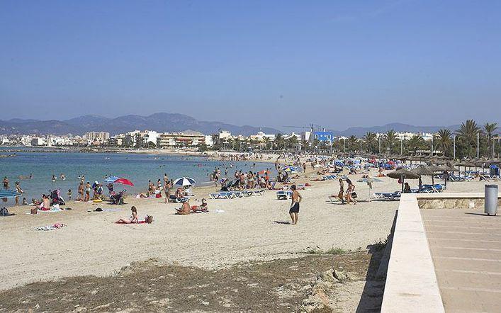 La Playa de Ciudad Jardín vuelve a reabrirse al baño
