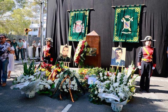 La Guardia Civil rinde homenaje a los dos agentes asesinados por ETA en Palmanova hace diez años