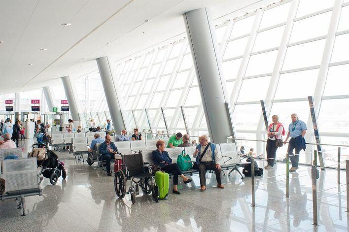 Aena gana 559 millones en seis meses y rebajará las tasas aéreas un 1,17 por ciento en 2020