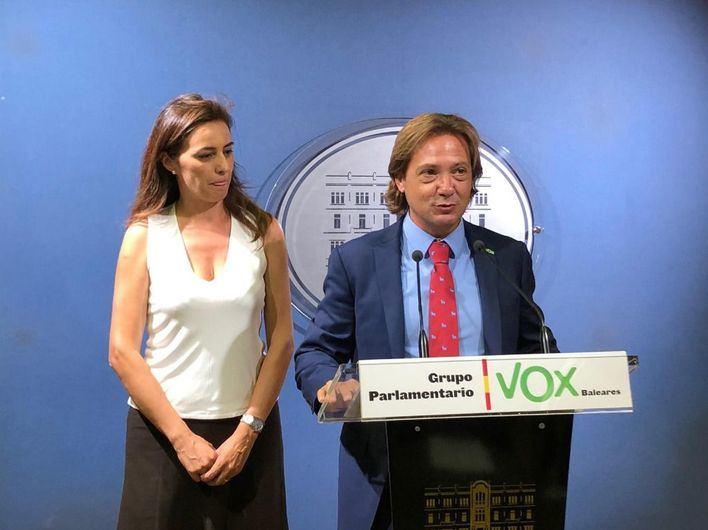 Vox pide que el Parlament respalde la presencia de los Reyes a través de una declaración institucional