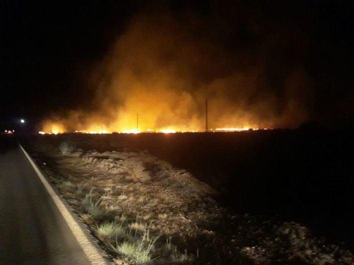 Controlado un incendio agrícola en Formentera, que deja sin suministro a La Mola